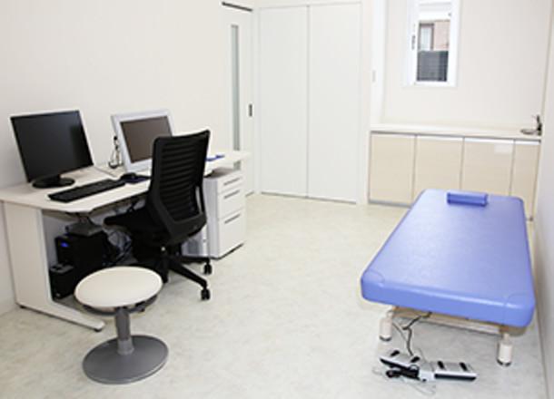 診察室(2診)